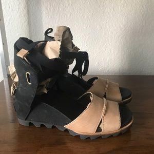 Sorel Joanie Tan Black Ankle Wrap Wedge Sandals 7